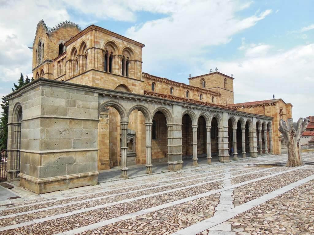 Basílica de San Vicente en Ávila, una de las provincias más bonitas de España