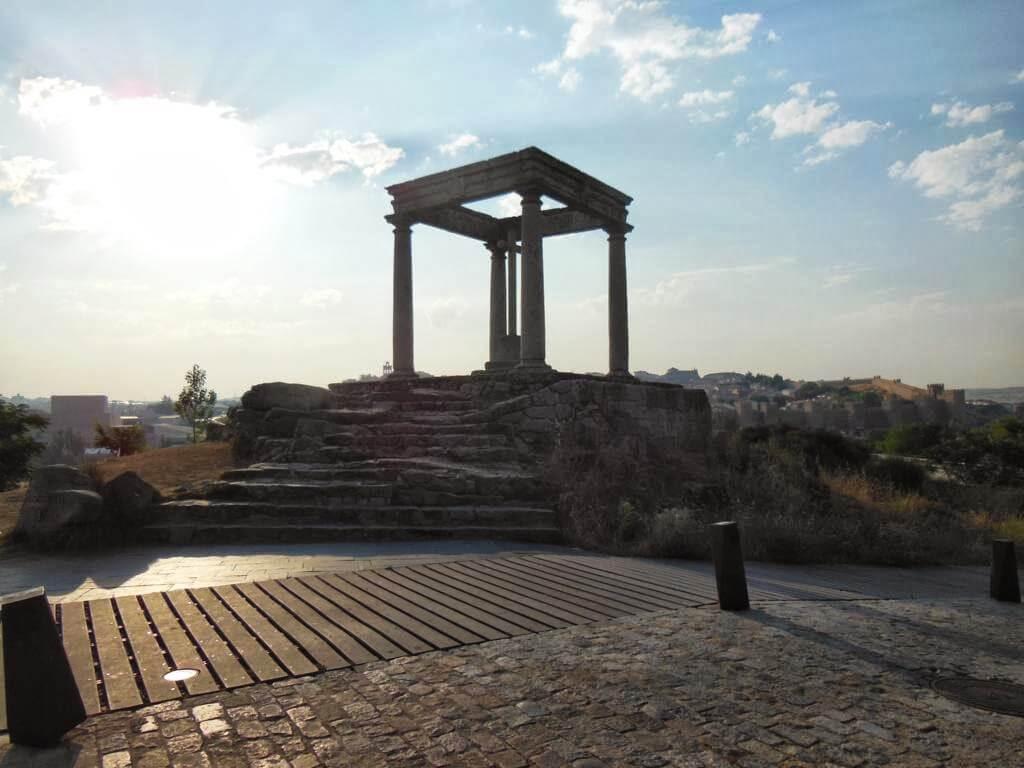 ¿Qué ver en Ávila en un día? Mirador de los Cuatro Postes