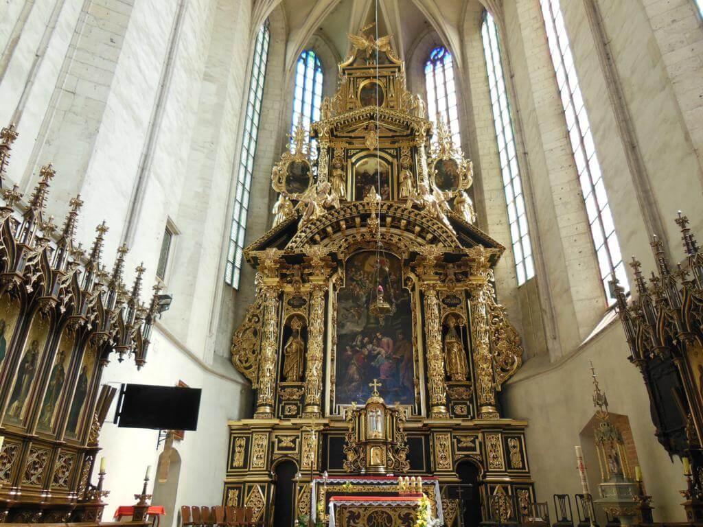 Altar barroco en la iglesia Santa Catalina