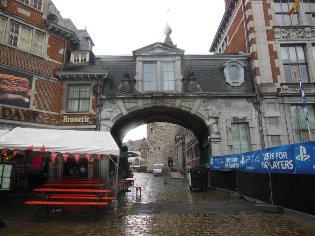 Arco de entrada al casco histórico de Namur