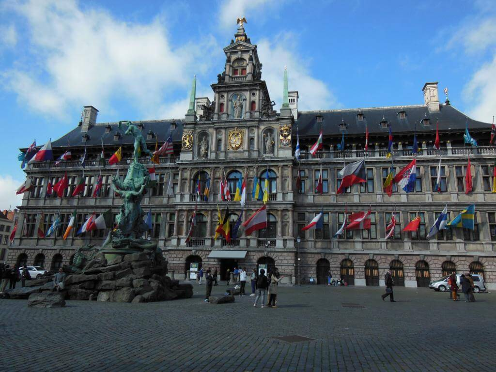 Grote Markt and Stadhauis