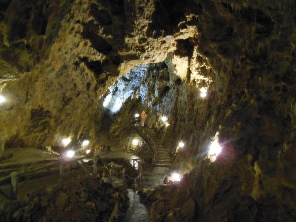 Interior de la Grotte de la Merveilleuse