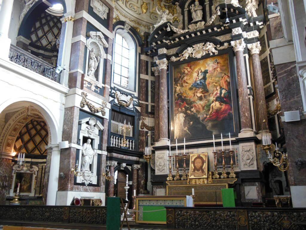 Interior de Saint Carolus Borromeuskerk