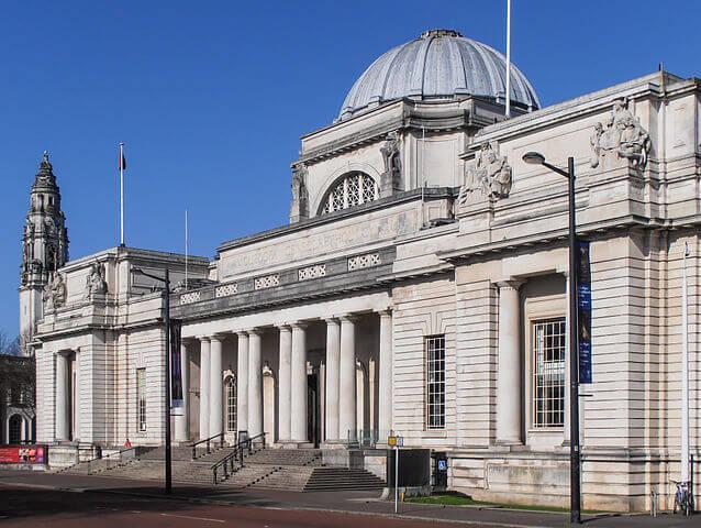 ¿Qué ver en Cardiff en un día? Museo Nacional @Wikimedia