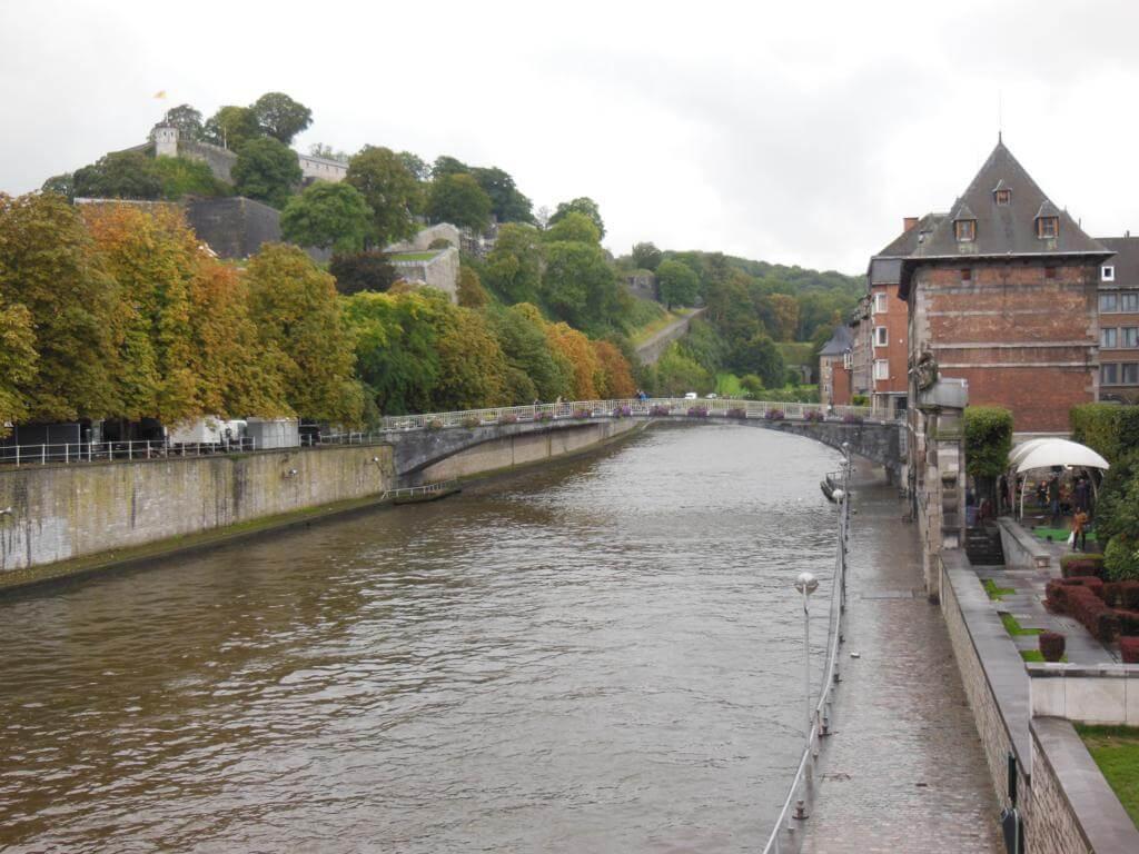 Río Sambre a su paso por Namur