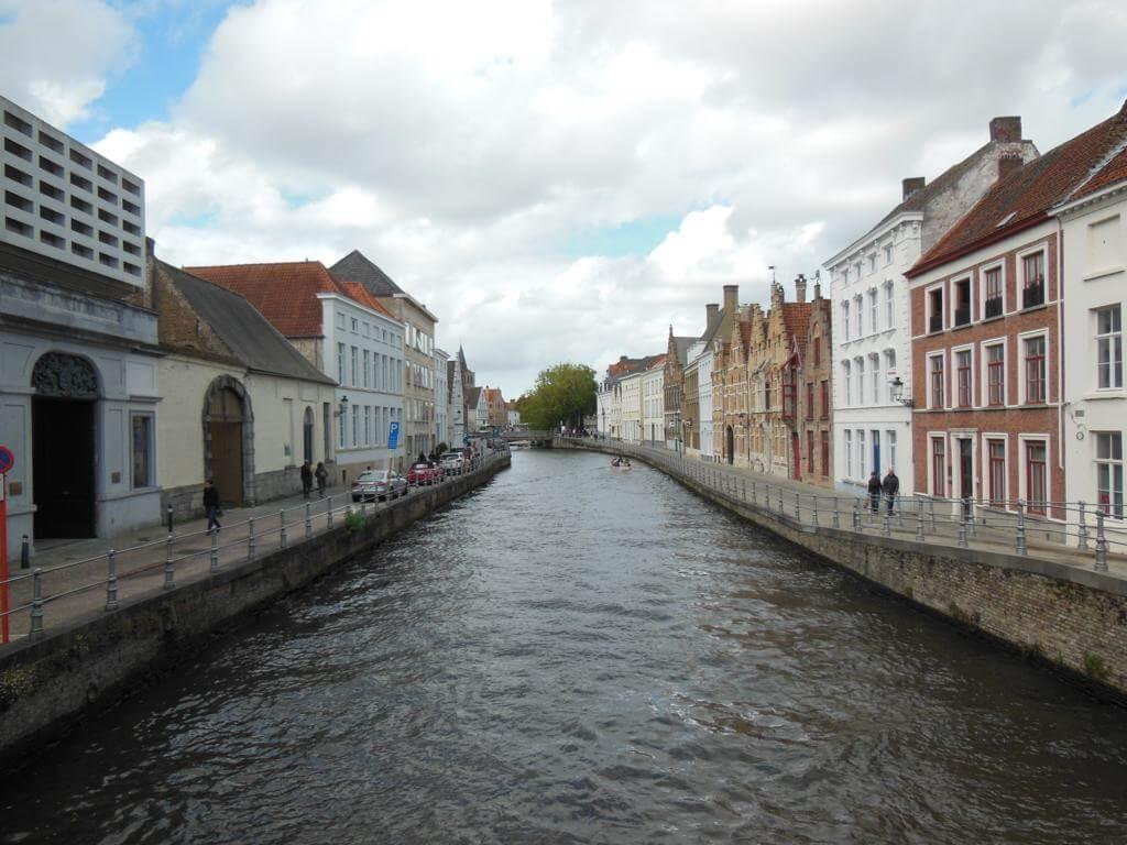 ¿Qué ver en Brujas en 1 día? Los canales de la ciudad.