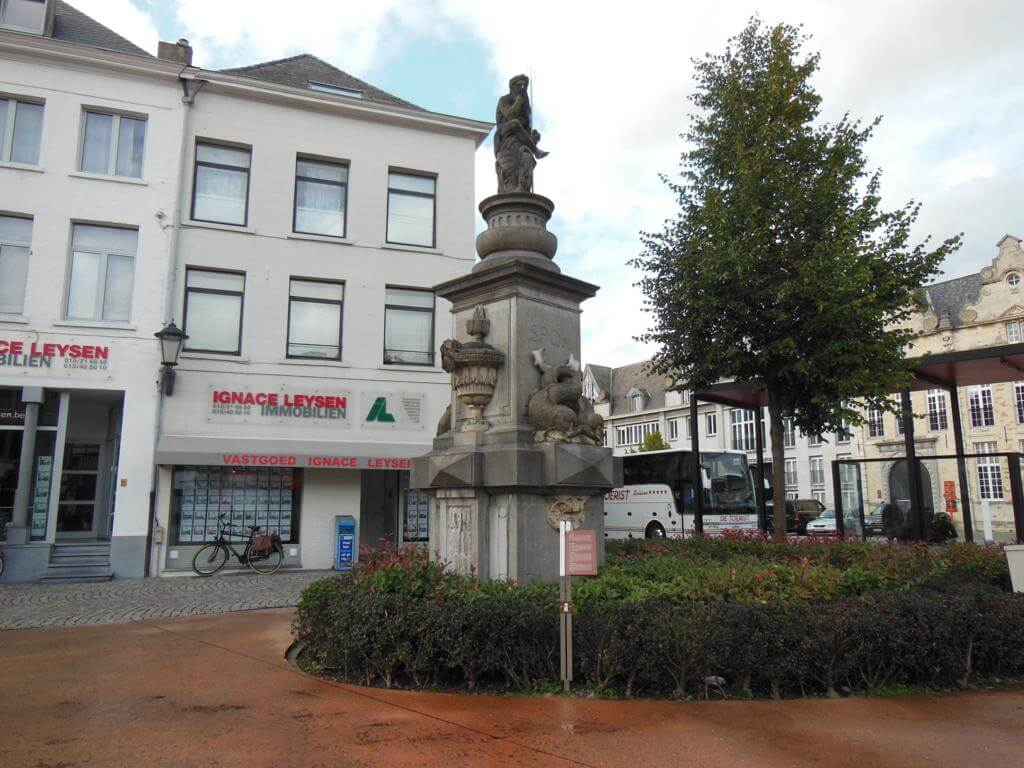 Estatua de Neptuno en Veemark
