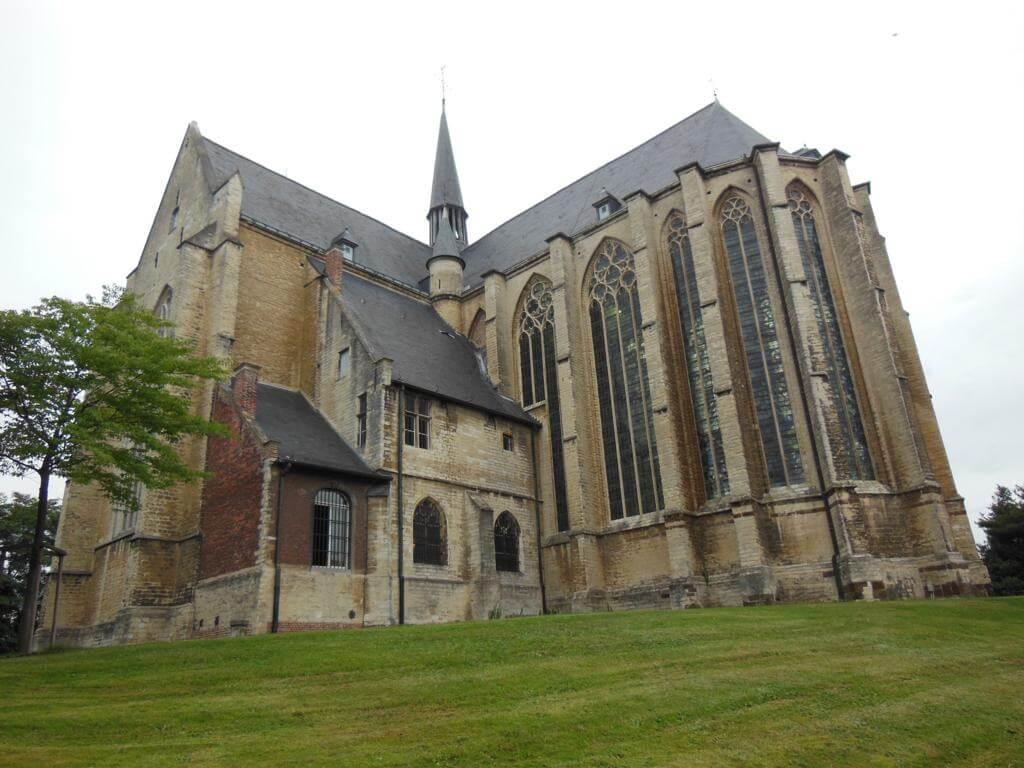 Iglesia de San Quintín (Sint-Kwintenskerk)
