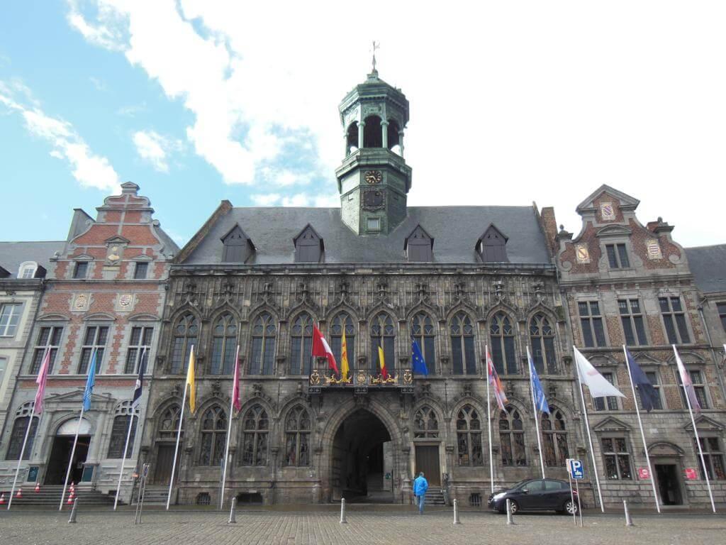 Ayuntamiento de Mons