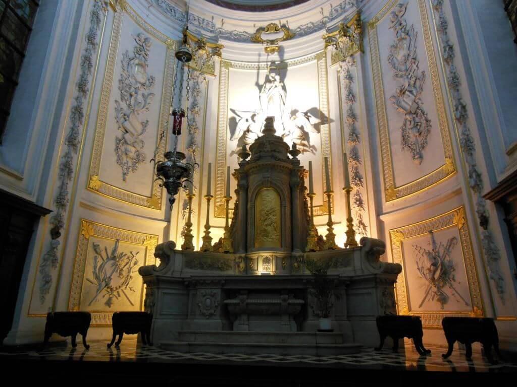 Interior de la Église Notre-Dame du Finistère (Church of Notre-Dame Du Finistere)