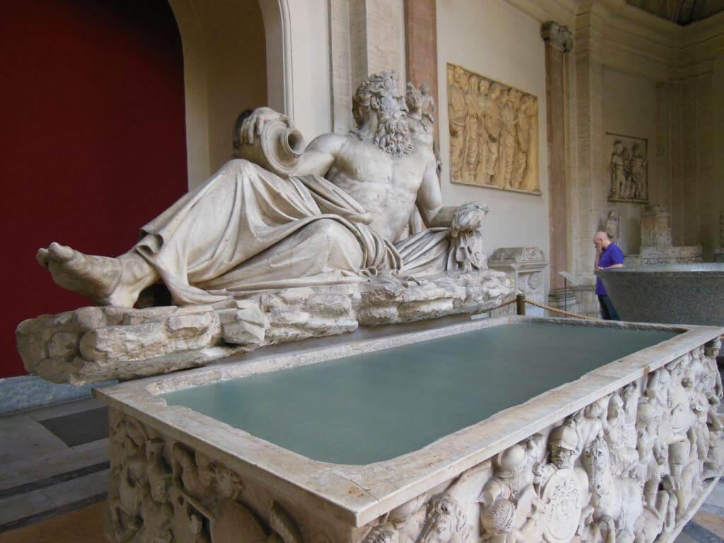 Estatua en el Vaticano