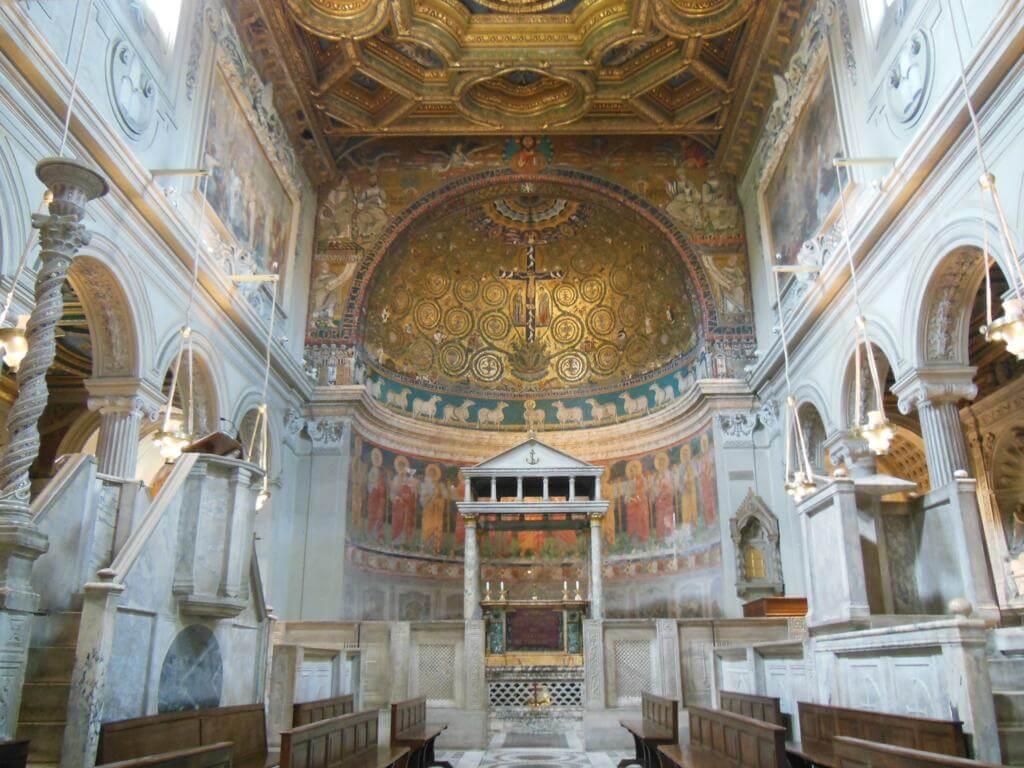Interior de la Basílica de San Clemente