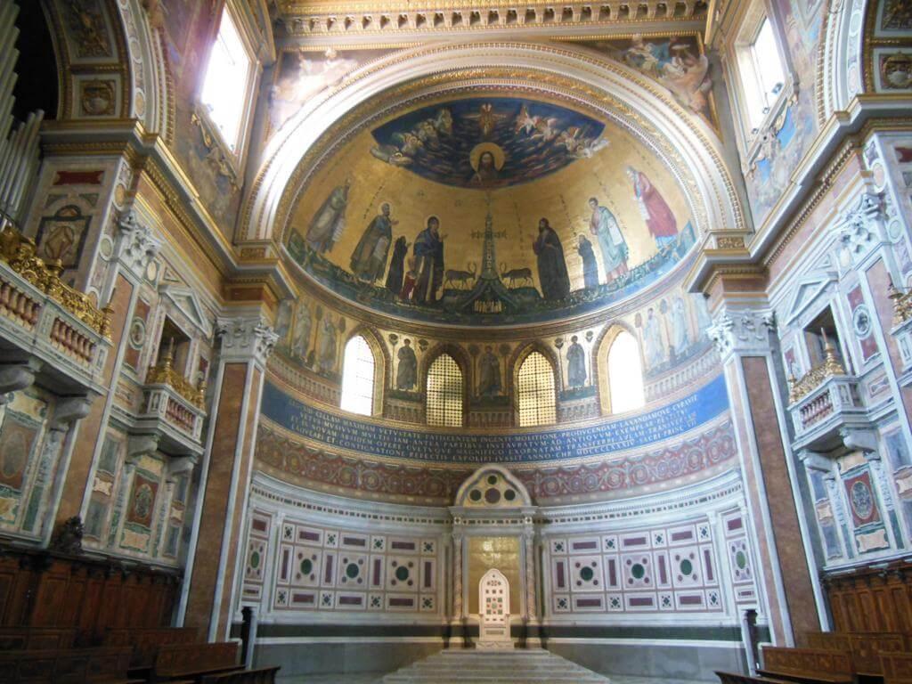 Interior de la Basílica de San Juan Letrán
