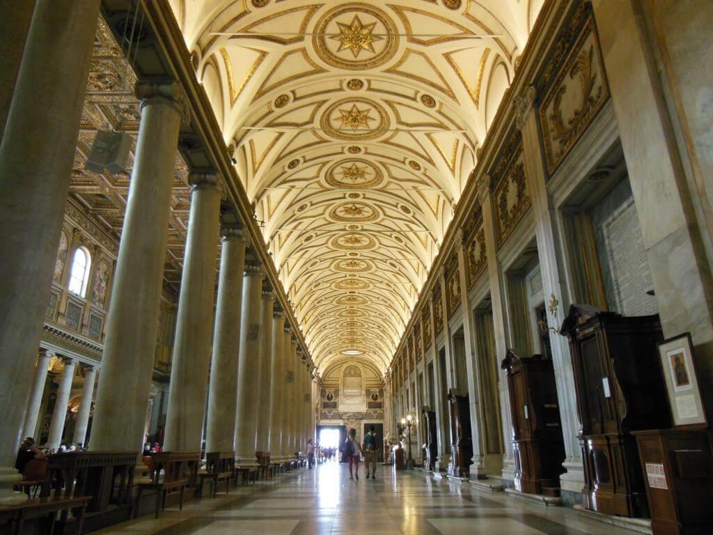 Interior de la Basílica de Santa María la Mayor