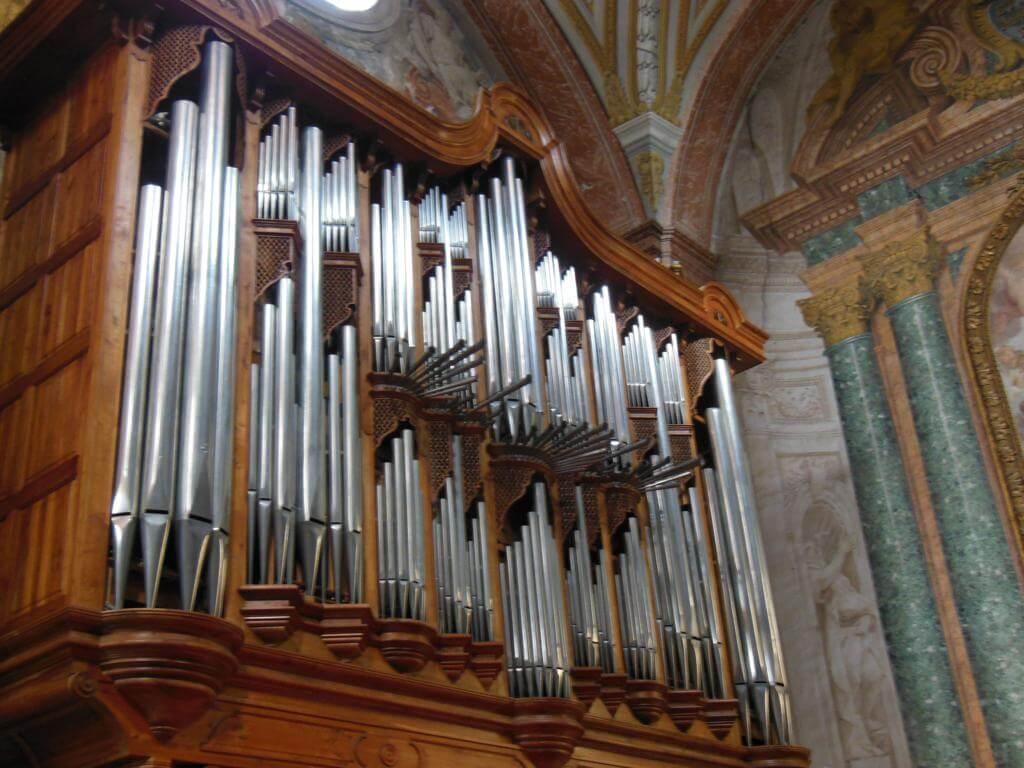 Órgano en Basílica de Santa María de los Ángeles