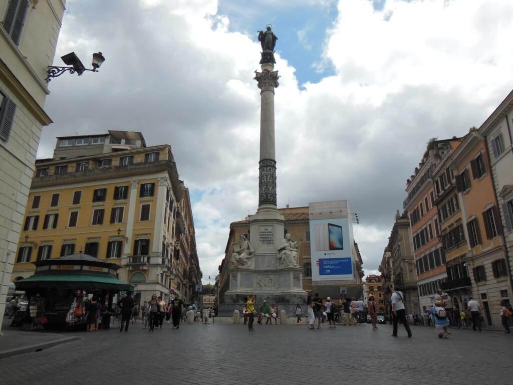 Plaza de España, una de las plazas más bonitas de Roma
