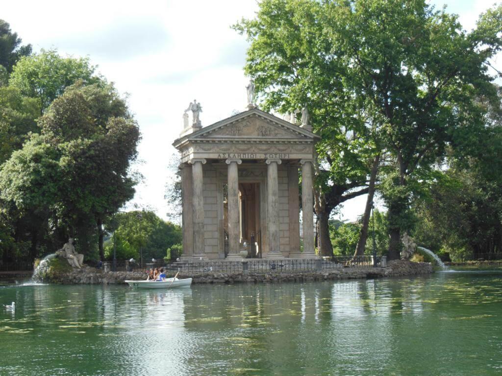 Templo de Esculapio en Villa Borguese