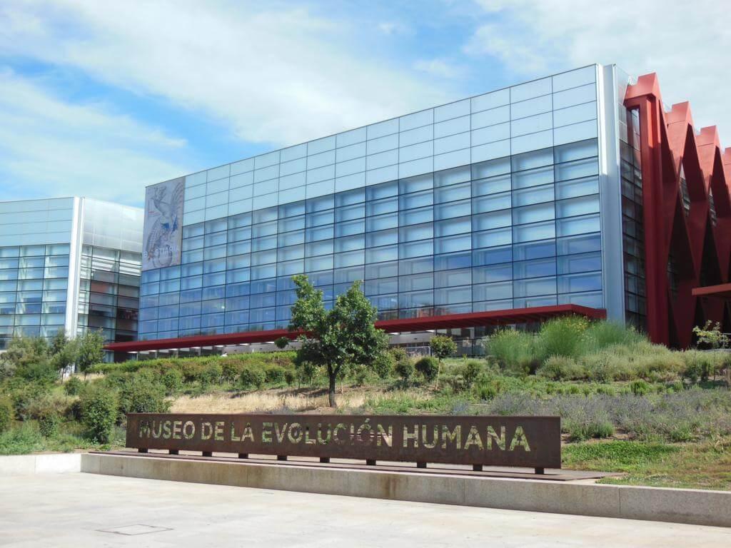 ¿Qué ver en Burgos en dos días? Visitar el Museo de la Evolución Humana (MEH)