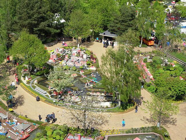 Parque temático Legoland by @wikimedia