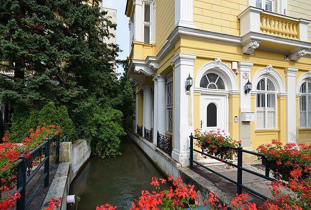 Villa Helenenstrabe @Wikimedia