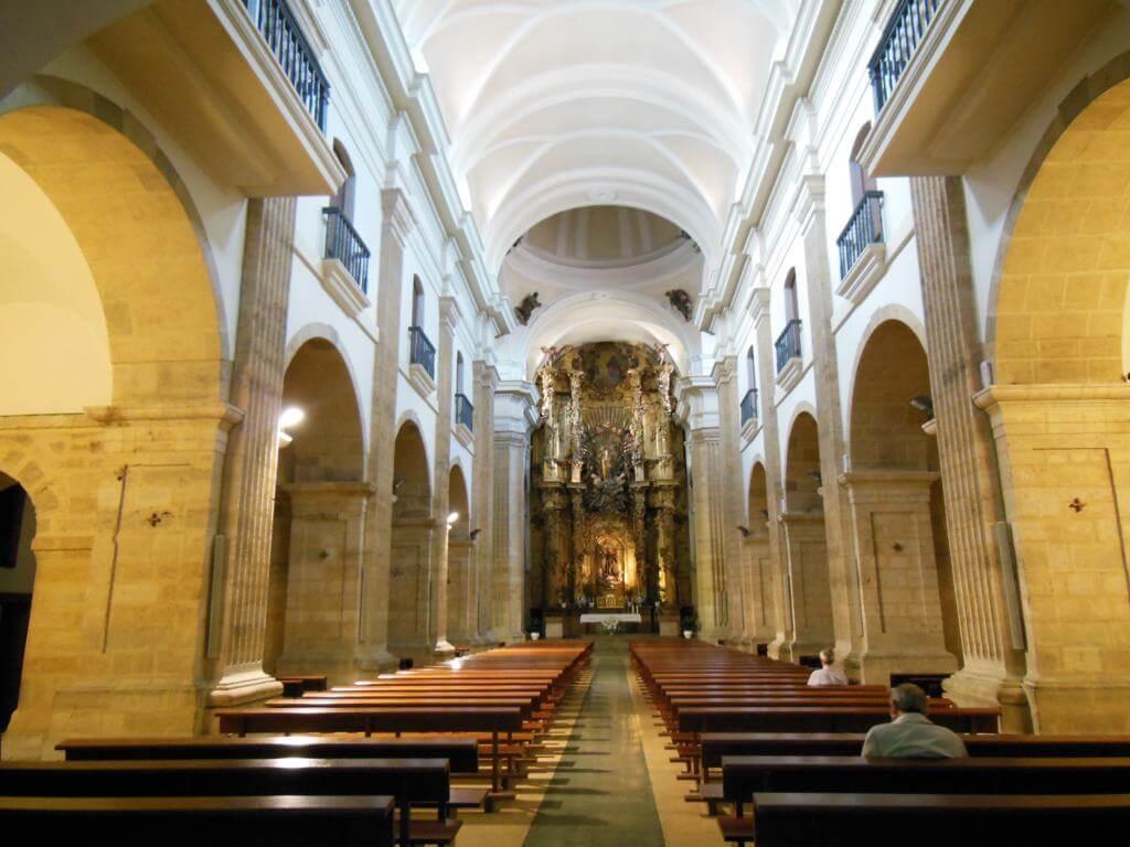 Interior de la Iglesia de Los Padres Capuchinos