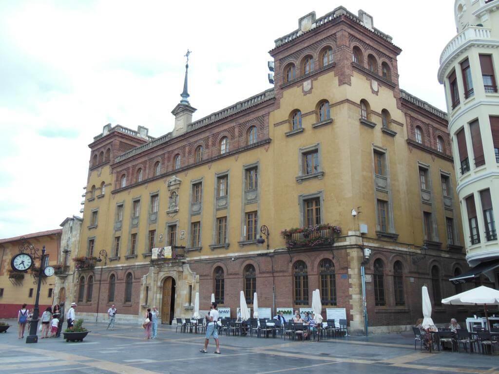 Palacio Episcopal de León