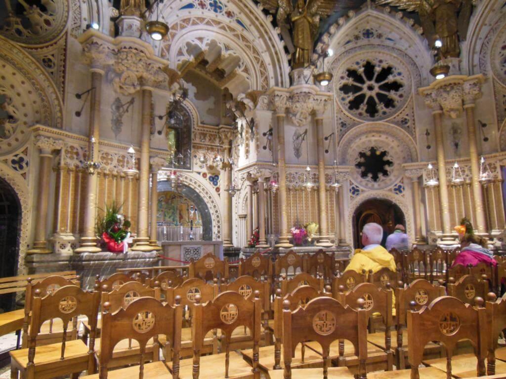 Interior de la abadía de Montserrat