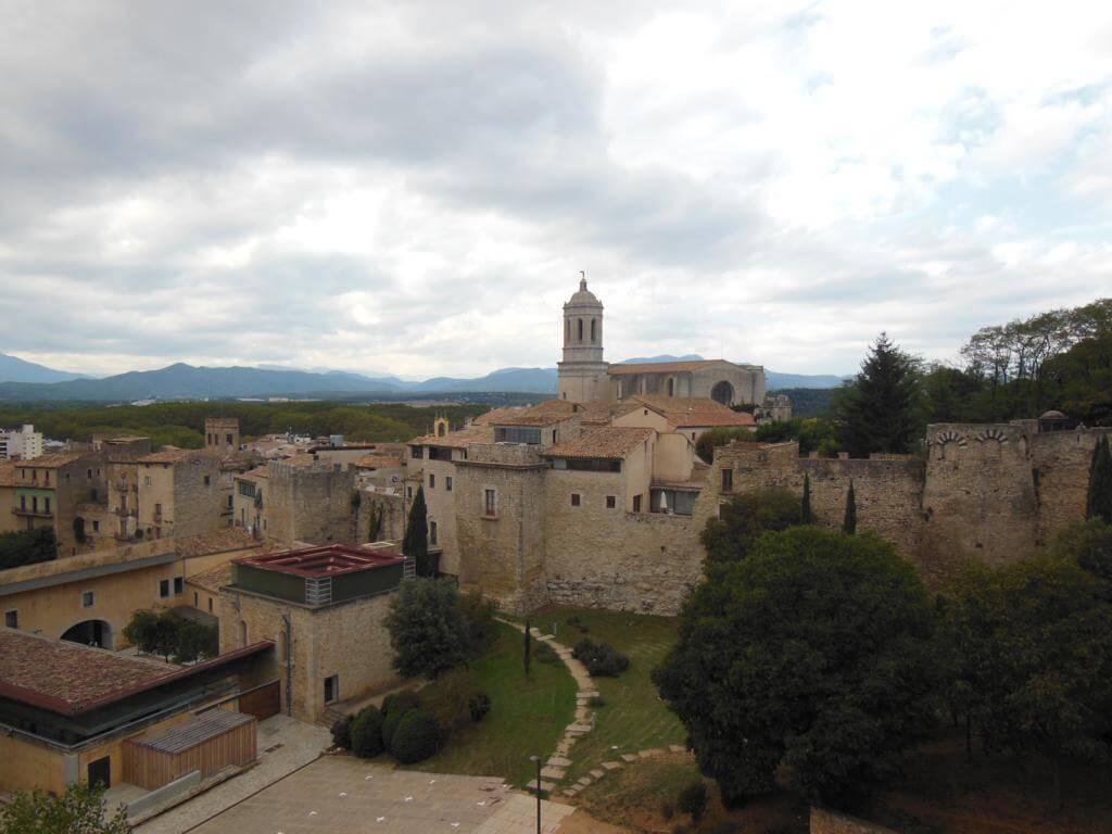 Vistas espectaculares de Girona desde la Muralla