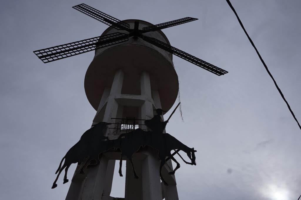 Escultura de Don Quijote de la Mancha y Sancho Panza en Alborea