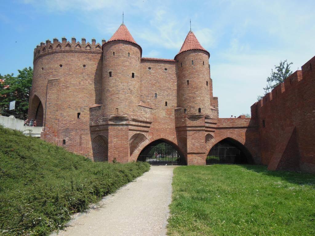 Que ver y hacer en Varsovia: visitar la Barbacana