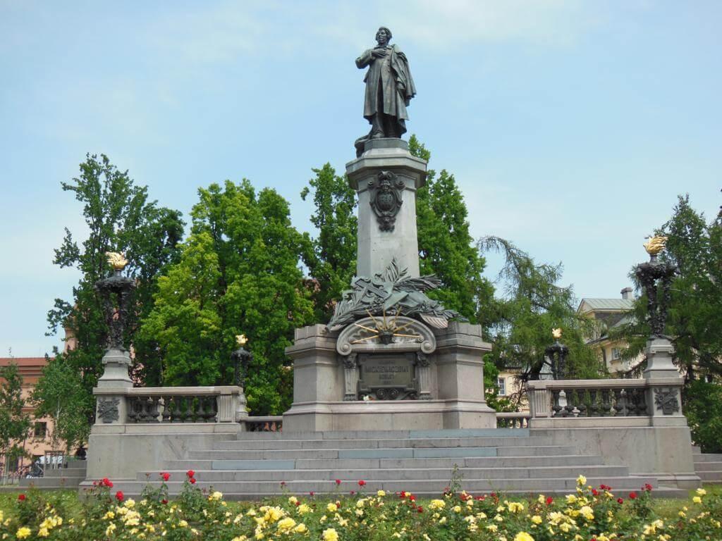 Monumento a Adama Mickiewicza