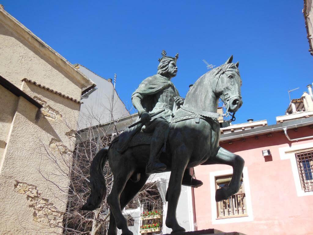 Estatua ecuestre de Alfonso VIII