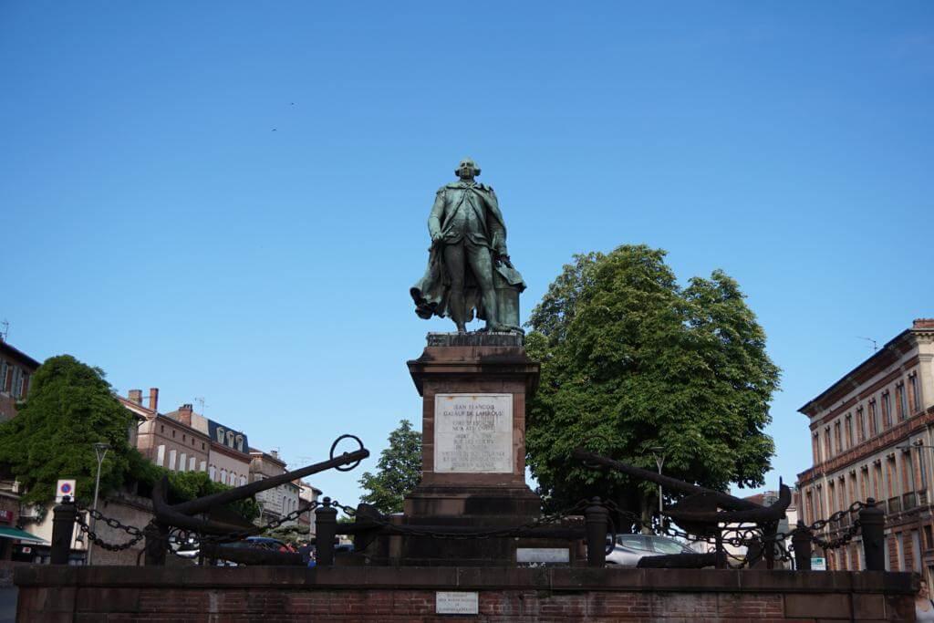 Estatua Jean Francois Galaup de Laperous