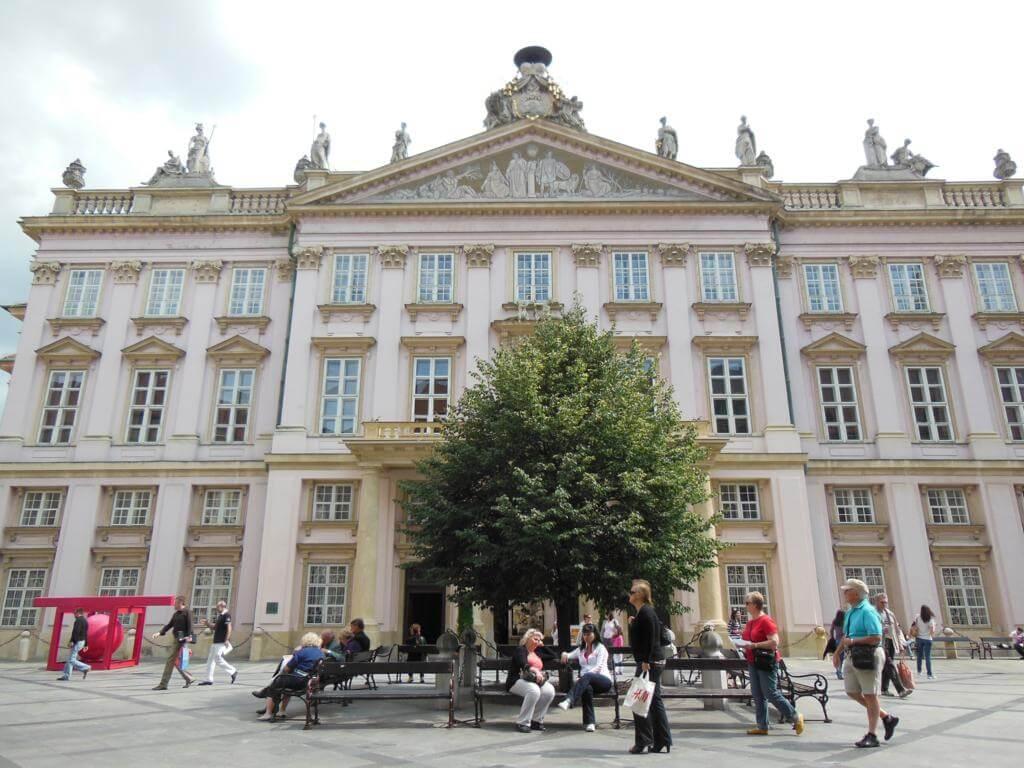 ¿Qué ver en Bratislava en un día? Palacio del Primado