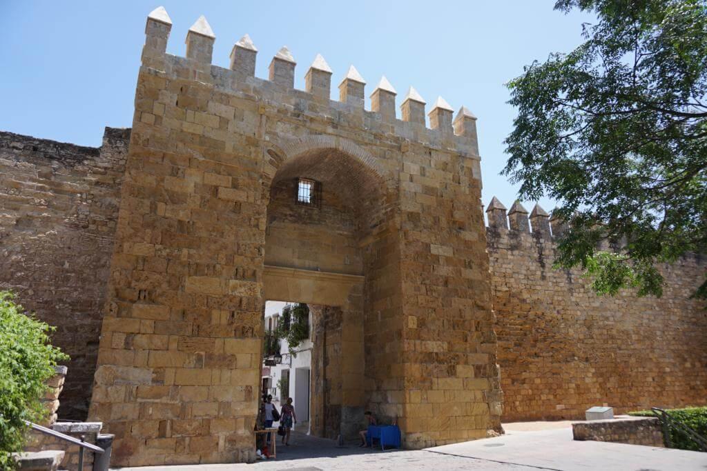 ¿Qué ver en Córdoba en dos días? Puerta Almodóvar