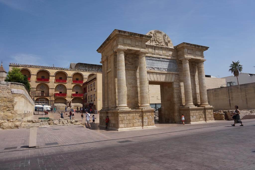 ¿Qué ver en Córdoba en dos días? Puerta del Puente
