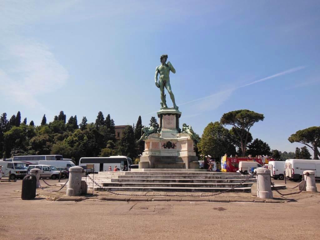 David de Miguel Ángel en la Piazzale Michelangelo