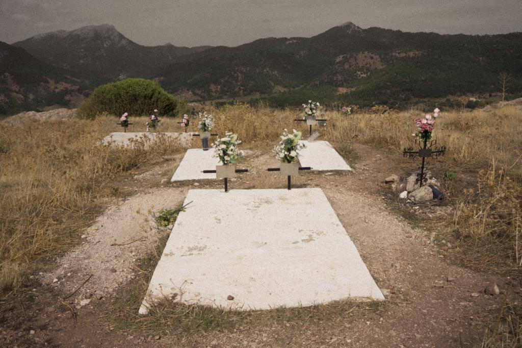 Enterramientos en la explanada del castillo de Riópar Viejo