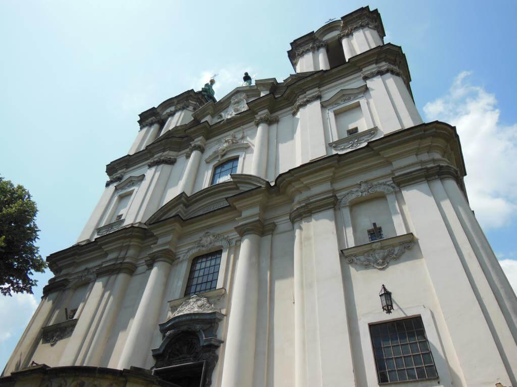 Iglesia del Arcángel San Miguel y de San Estanislao.