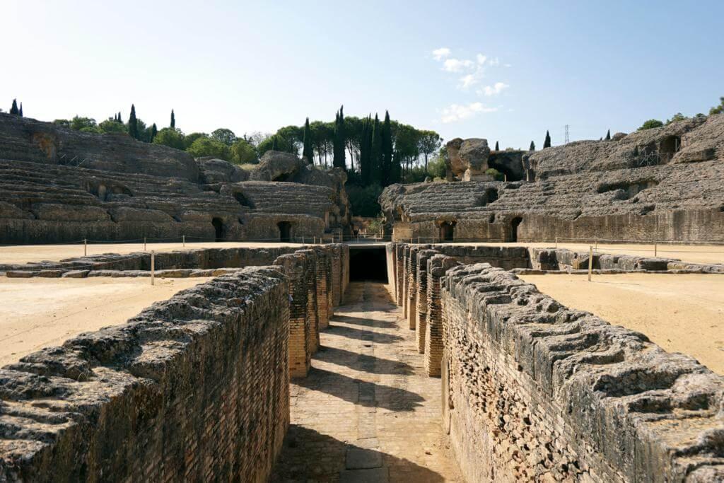 Anfiteatro romano de Itálica en Juego de Tronos: ruinas de Pozo Dragón