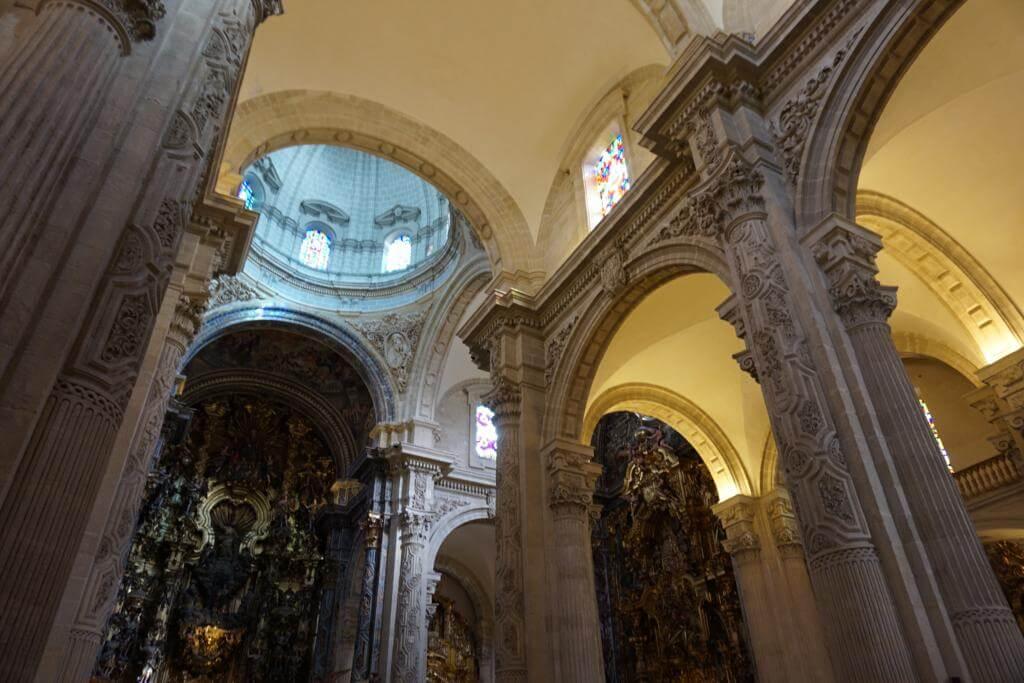 Interior de la Iglesia El Salvador de Sevilla