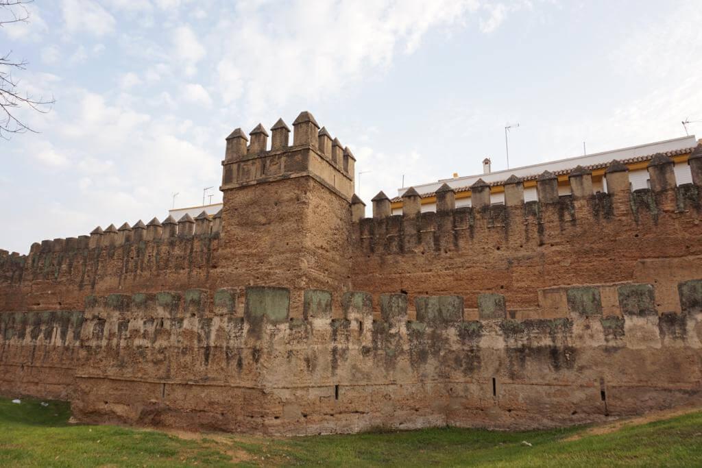 ¿Qué ver en Sevilla en un día? Las Murallas
