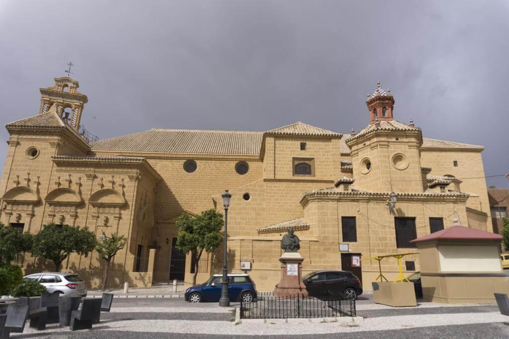 ¿Qué ver en Osuna en un día? Iglesia de Santo Domingo.