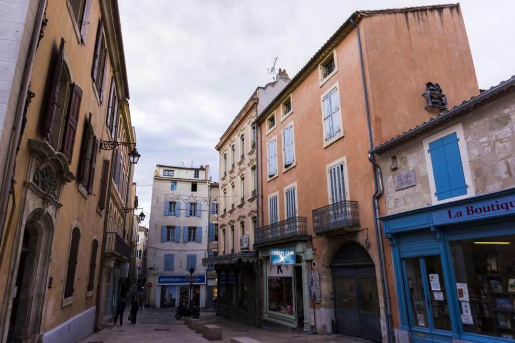 ¿Qué ver en Narbona en un día? Pasear por sus calles