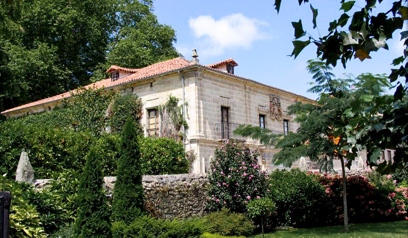 Palacio de Peredo by @santillanadelmarturismo.com