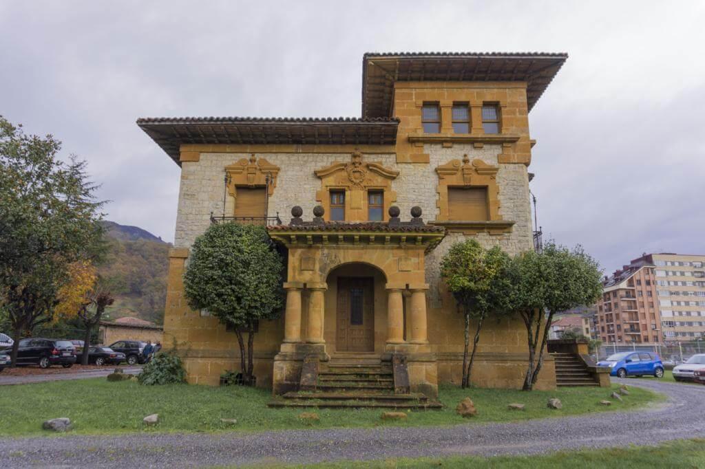 Casas de los Indianos en Cangas de Onís.