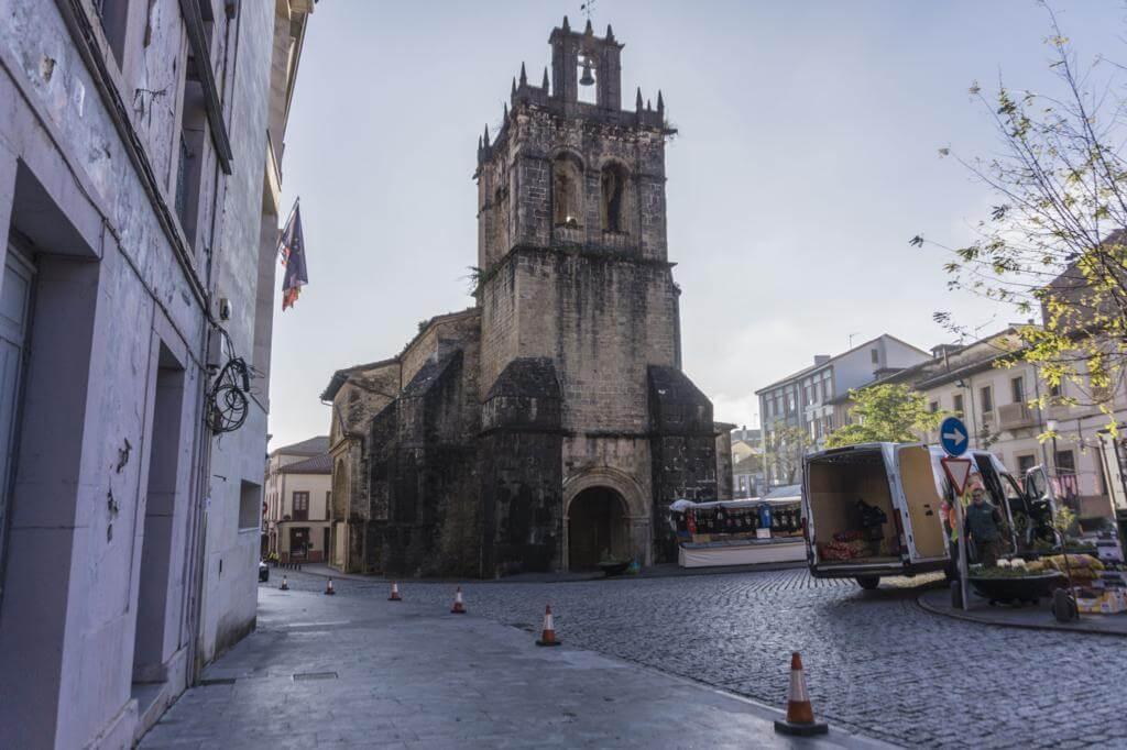 Colegiata de Santa María la Mayor de Salas.
