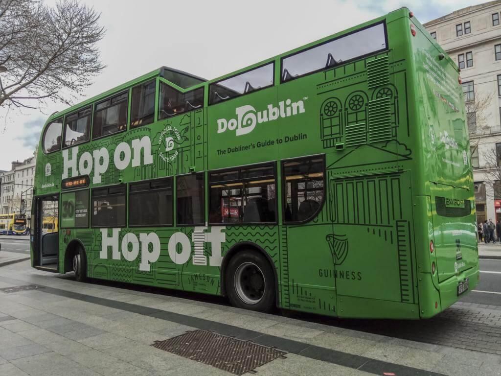 ¿Qué ver en Dublín en dos días? Descubre la ciudad usando su autobús turístico.
