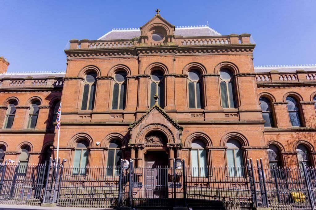 Antiguo Ayuntamiento de Belfast.