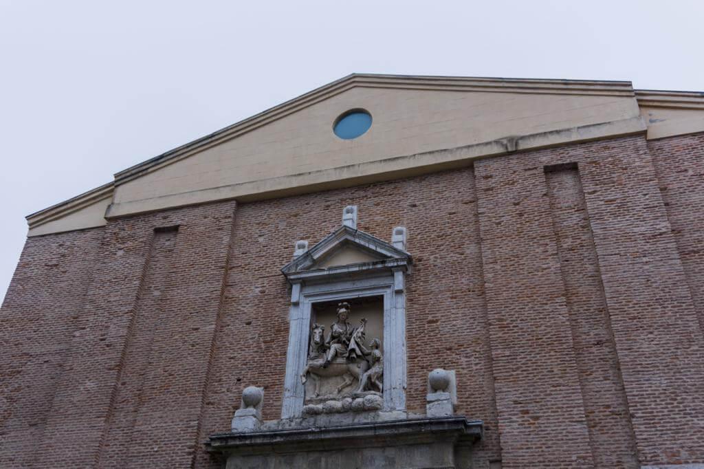 La iglesia de San Martín y San Benito el Viejo.